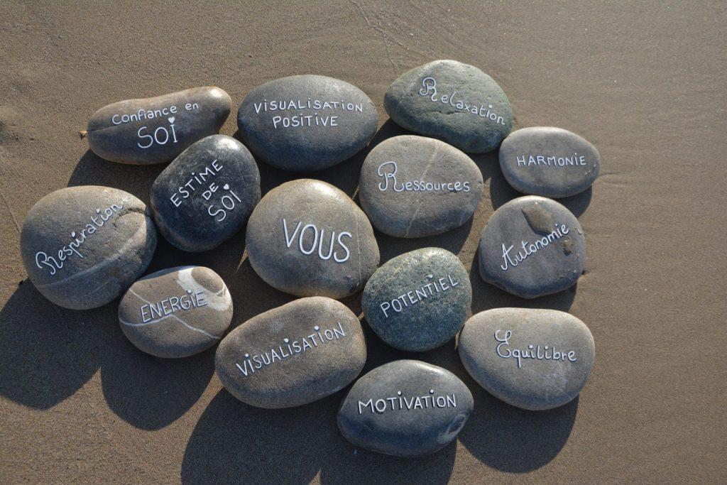 Galets relaxation réalisés par une sophrologue à à Marseille 13015,13014,13013,13012